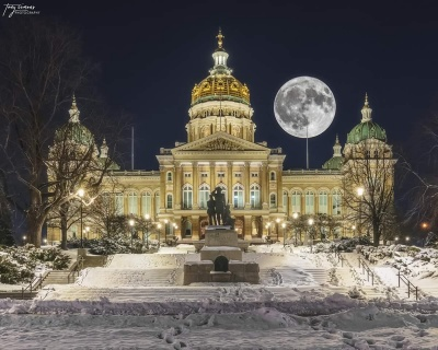 What is the capital of the state of Iowa?