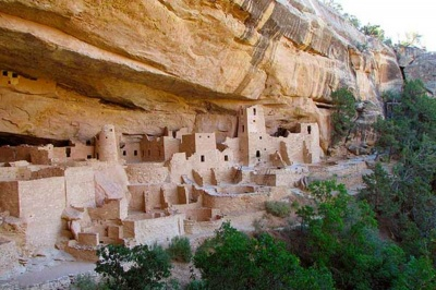 What was the first national park founded to protect archaelogy?