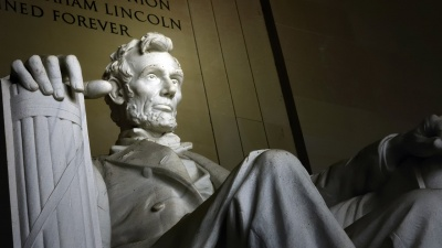 When the Civil War began, who declined President Lincoln's offer to field command of the army?