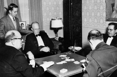 Which president kept plenty of alcohol in the White House for his late night poker games  even though alcohol was illegal?